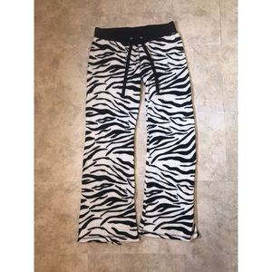 Derek Heart Zebra Sleep Pants Size M